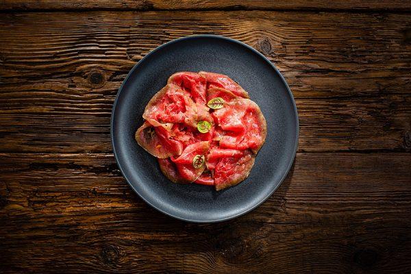Carne salada di manzo al sale di cervia affumicato ristorante affumico bologna